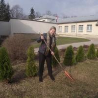 Uzkopjam skolas teritoriju