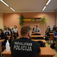 21.09.2020 Pirmo kursu tikšanās ar pašvaldības policiju